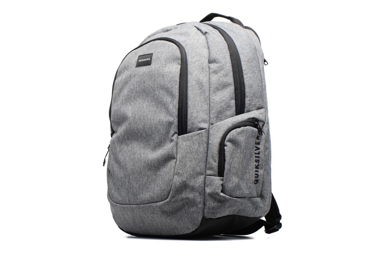 Mochilas Quiksilver Schoolie M Backpack Gris vista del modelo