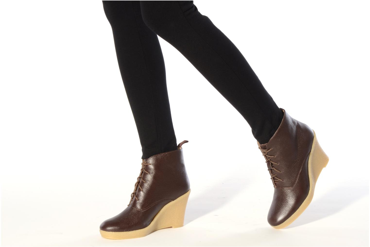 Ankle boots Mellow Yellow Koala Brown view from underneath / model view