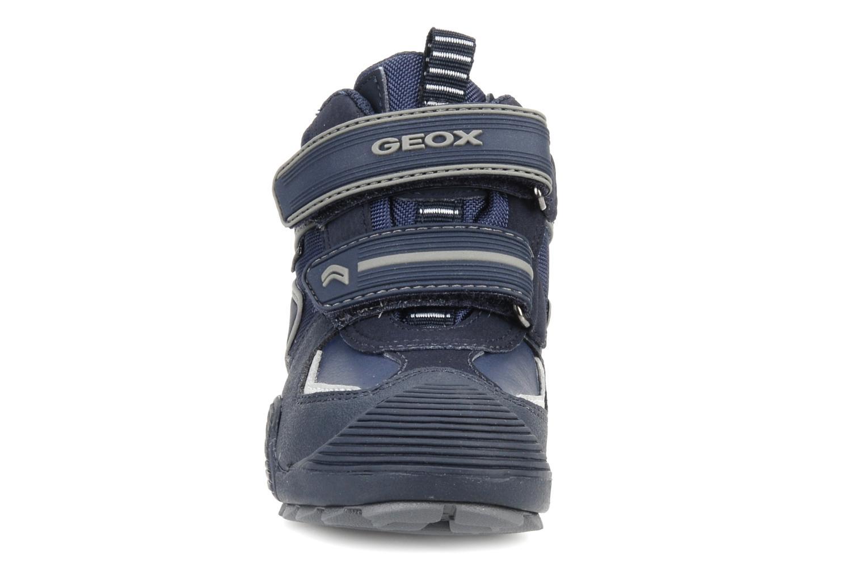 Sneakers Geox B savage wp b Azzurro modello indossato