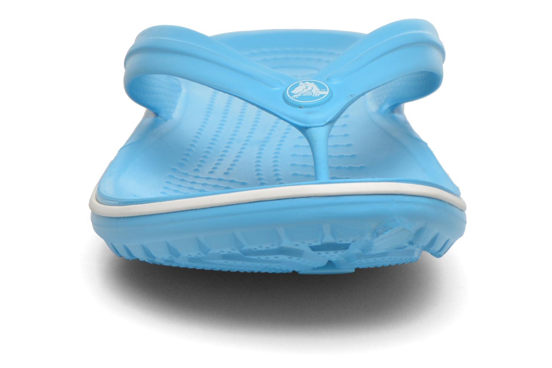 Tongs Crocs Crocband Flip M Bleu vue portées chaussures