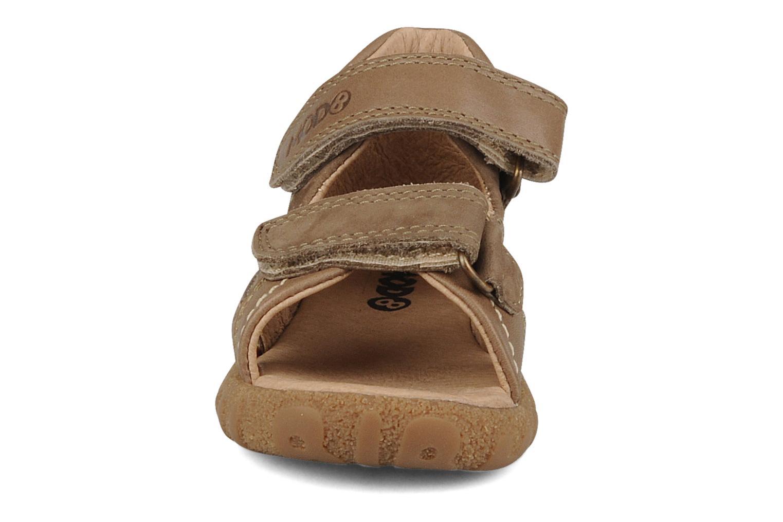Sandales et nu-pieds Mod8 Batofar Marron vue portées chaussures