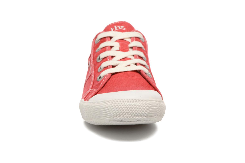 Sneaker TBS Opiace rot schuhe getragen