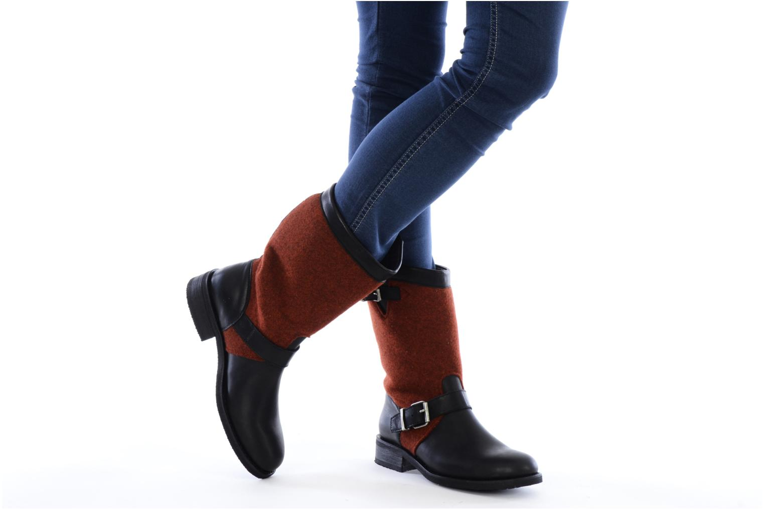 Ankle boots Sancho Boots Yogi Red view from underneath / model view
