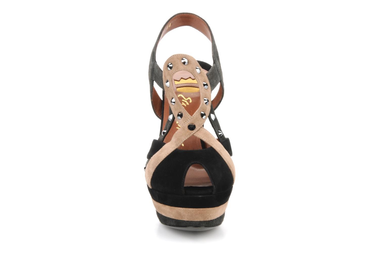 Sandali e scarpe aperte Ernesto Esposito Estevana Nero modello indossato