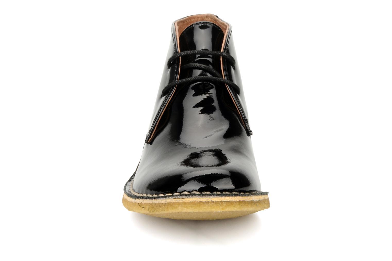Schnürschuhe Kickers Crepy schwarz schuhe getragen