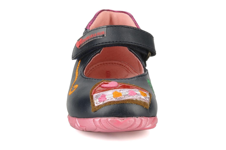 Ballerines Agatha Ruiz de la Prada Acapella Bleu vue portées chaussures