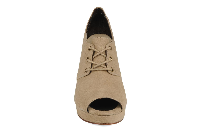Schnürschuhe Tila March Wedge derby beige schuhe getragen