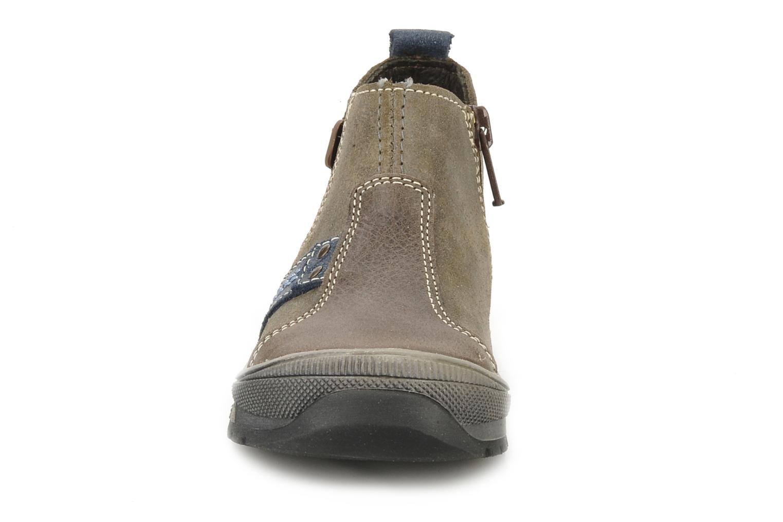 Boots Bopy Beta Brun bild av skorna på