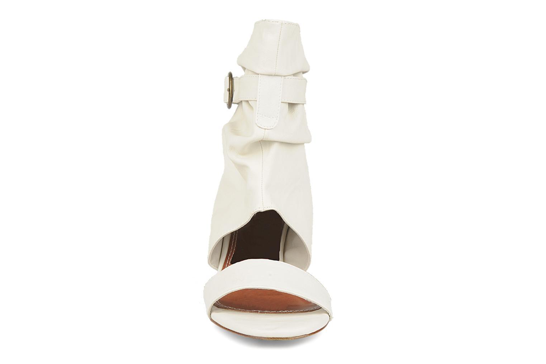 Sandales et nu-pieds Spot On Marila Blanc vue portées chaussures