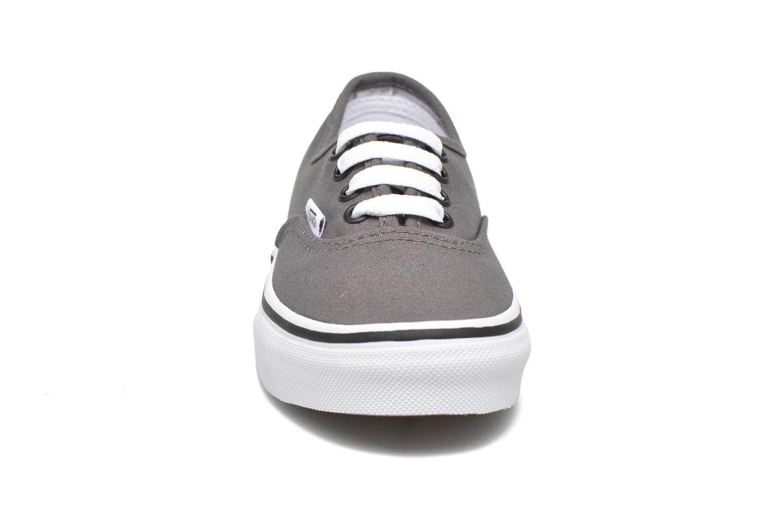 Baskets Vans Authentic E Gris vue portées chaussures
