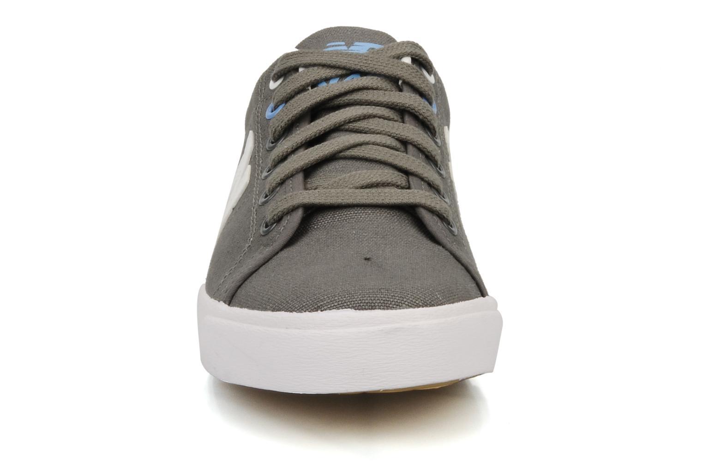 Sneaker New Balance V45 grau schuhe getragen