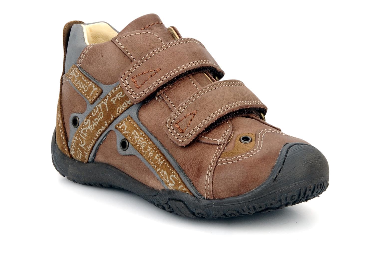 Velcro shoes Primigi Bartolom Brown detailed view/ Pair view