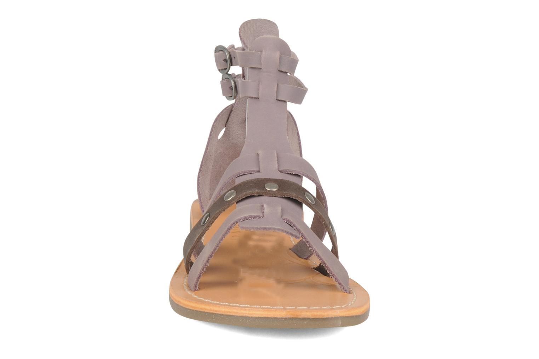 Sandales et nu-pieds Kickers Diplomatik Violet vue portées chaussures