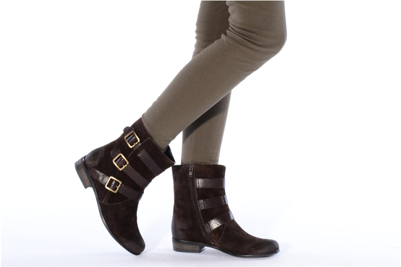 Ankle boots Clarks Meg kelly Brown view from underneath / model view