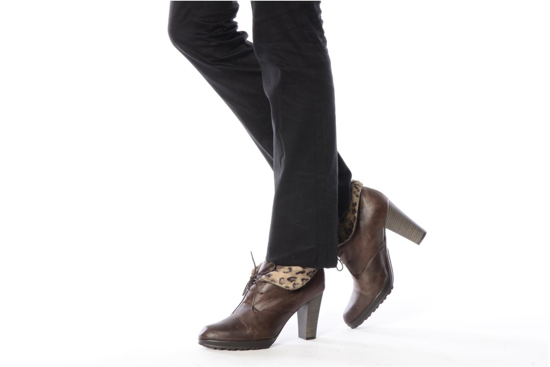 Stiefeletten & Boots Elizabeth Stuart Alra braun ansicht von unten / tasche getragen
