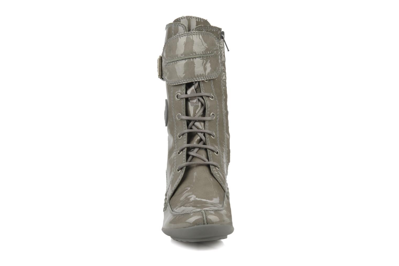Bottines et boots Pataugas Leila w Gris vue portées chaussures
