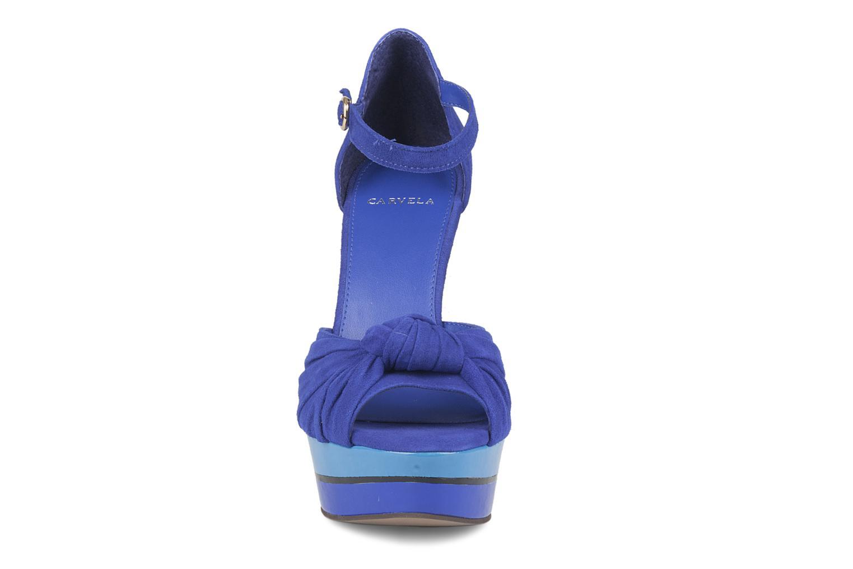 Sandalias Carvela Kennis Azul vista del modelo