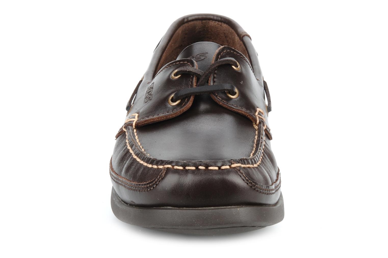 Zapatos con cordones TBS Neuron Marrón vista del modelo