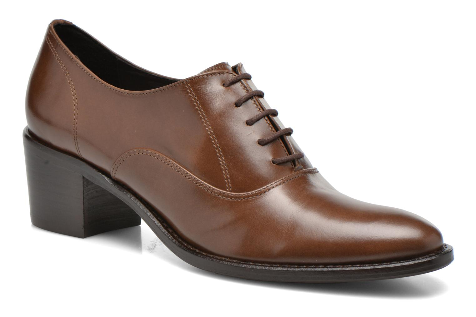 Lace-up shoes Georgia Rose Daporo Brown detailed view/ Pair view