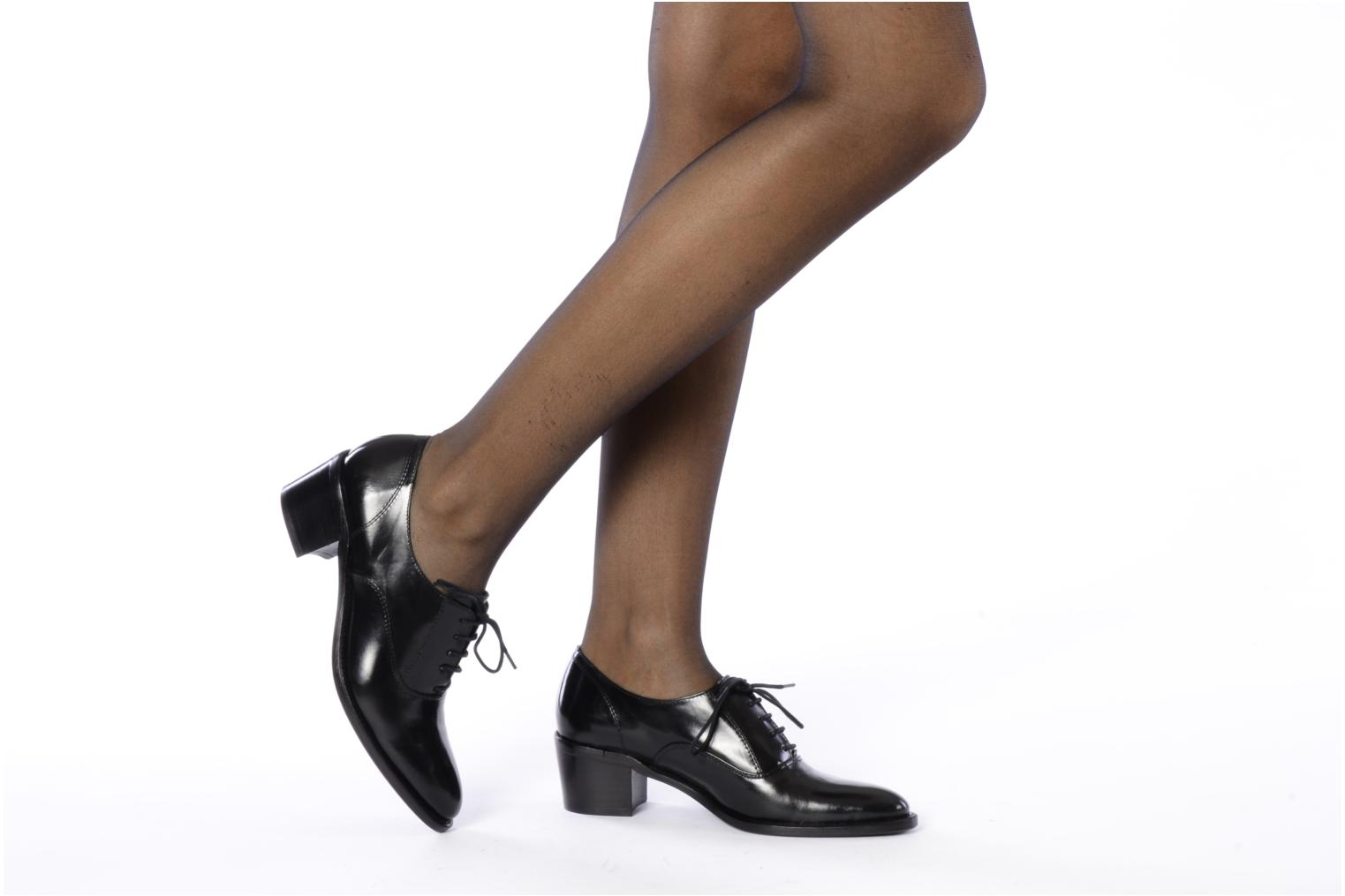 Lace-up shoes Georgia Rose Daporo Black view from underneath / model view