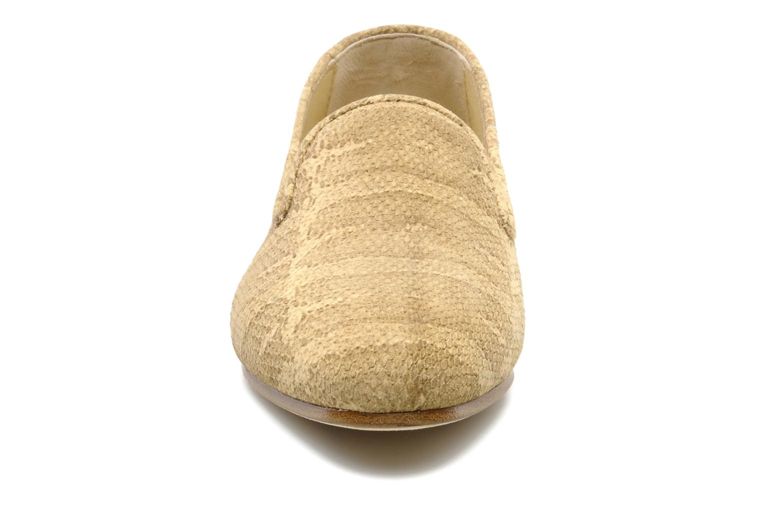 Mocasines Surface To Air Blade slipper Beige vista del modelo