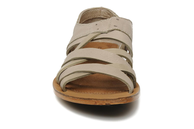 Sandali e scarpe aperte Sorel Lake Shoe Beige modello indossato