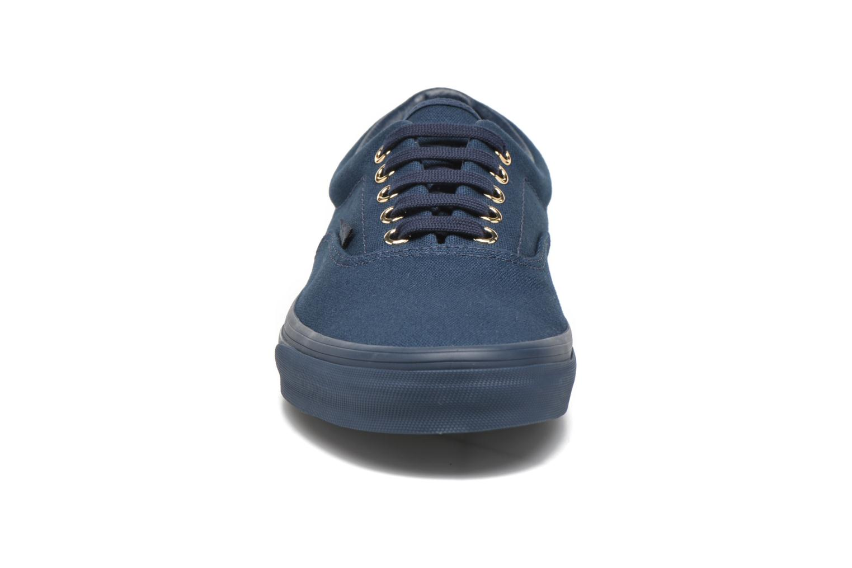 Baskets Vans Era Bleu vue portées chaussures