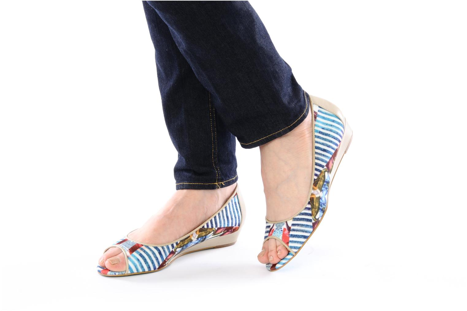 Ballet pumps Desigual Kailani Blue view from underneath / model view