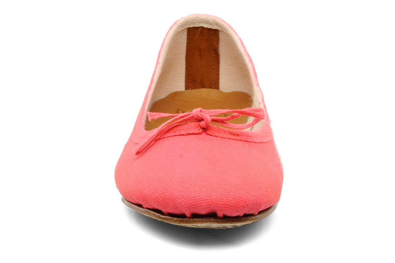 Ballerinaer Swildens Gianna T Pink se skoene på