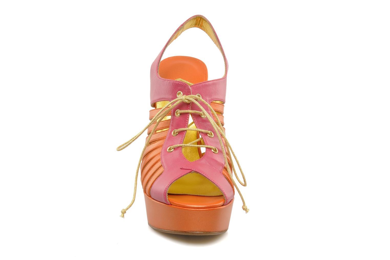 Sandali e scarpe aperte Terry de Havilland Jay Multicolore modello indossato
