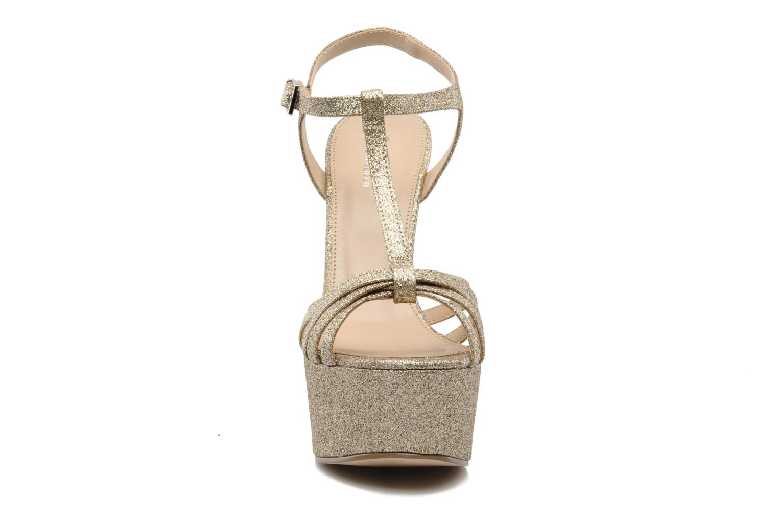 Sandals Carvela GLOWORM Beige model view