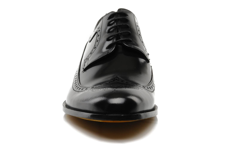 Scarpe con lacci Melvin & Hamilton George Nero modello indossato
