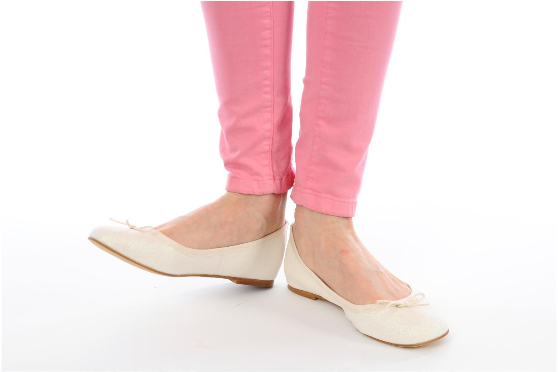 Ballerinas Georgia Rose Garbo beige ansicht von unten / tasche getragen