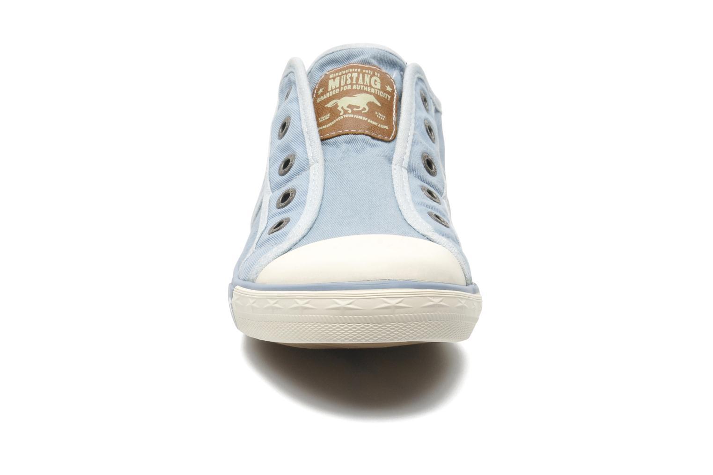 Baskets Mustang shoes Marcus Bleu vue portées chaussures