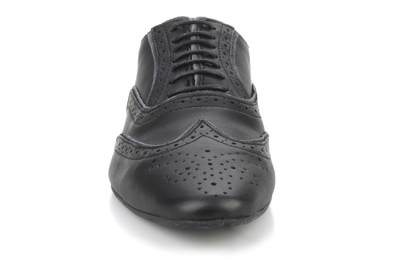 Lace-up shoes Schmoove Jamaica Grunge Garment Split Black model view