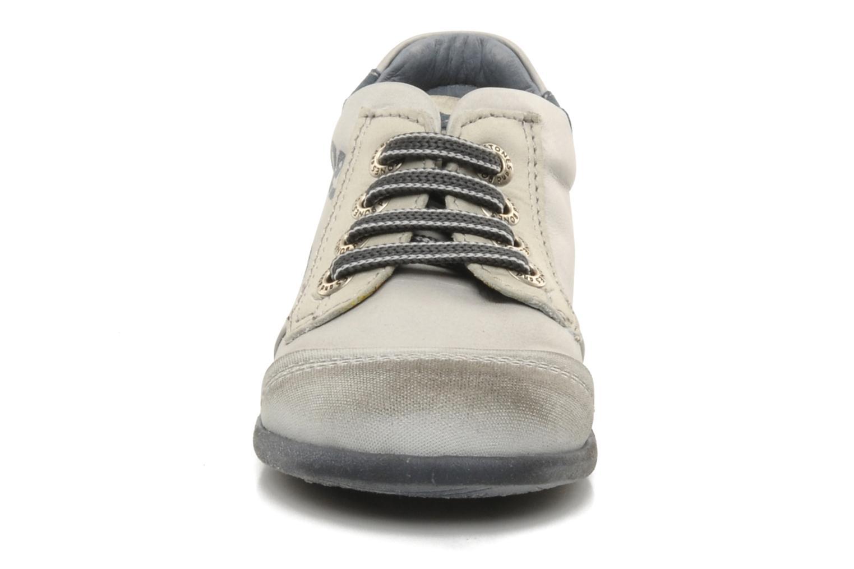 Baskets Stones and Bones Sul Gris vue portées chaussures