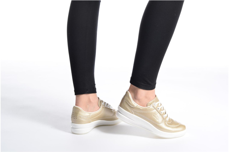 Sneaker TBS Easy Walk Brandy gold/bronze ansicht von unten / tasche getragen