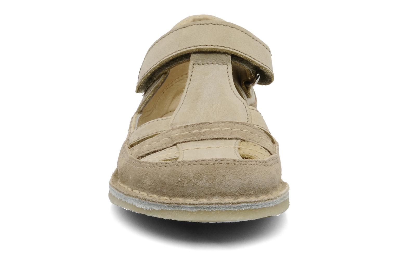 Sandalen Naturino Gloria beige schuhe getragen