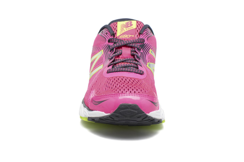 Chaussures de sport New Balance W680 Rose vue portées chaussures