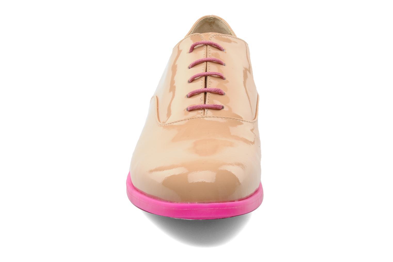 Chaussures à lacets Paul & Betty Rozy Beige vue portées chaussures