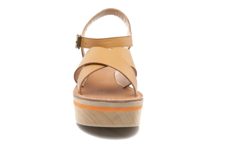 Sandales et nu-pieds Mellow Yellow Liraxan Marron vue portées chaussures