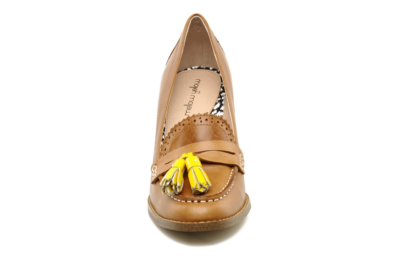 Mocasines Mellow Yellow Lola Marrón vista del modelo