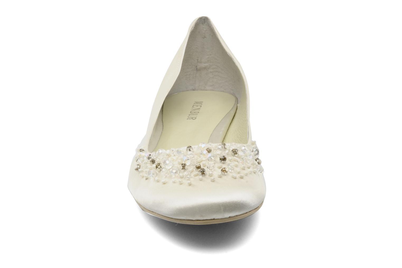 Ballerines Menbur Carmichael Blanc vue portées chaussures