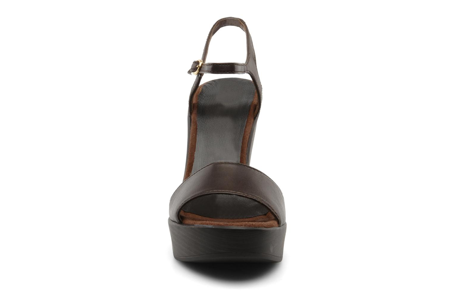 Sandals Unisa Oire Brown model view