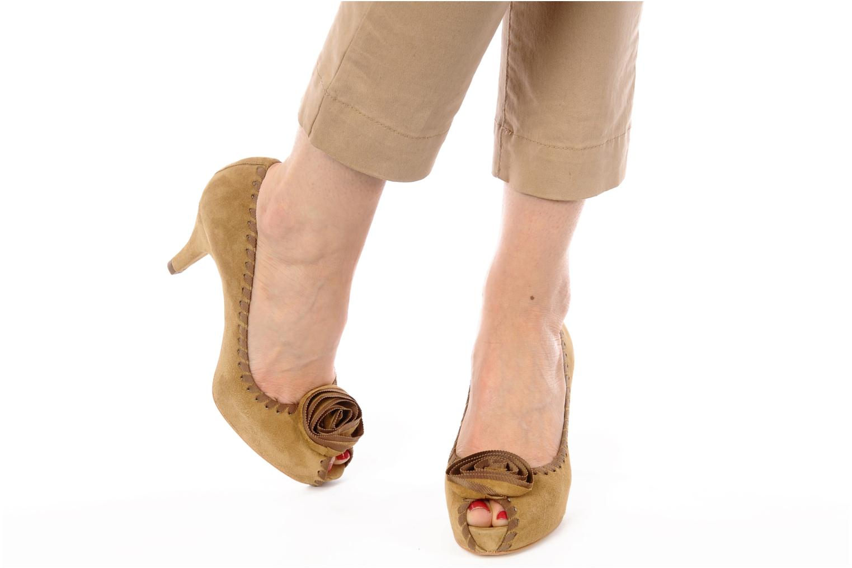 High heels Unisa Unelo ks Beige view from underneath / model view