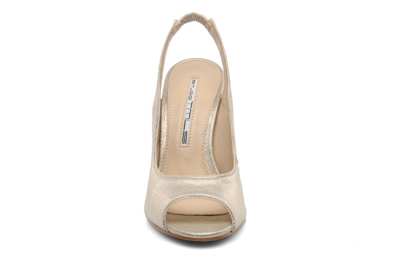 Zapatos de tacón Studio TMLS Malaysia Oro y bronce vista del modelo