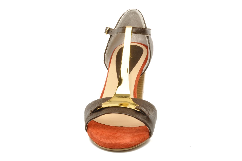 Sandali e scarpe aperte Atelier Mercadal Sandale Lee Marrone modello indossato