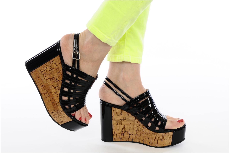 Sandalen Free Lance Daphne 7 sandalstrap schwarz ansicht von unten / tasche getragen