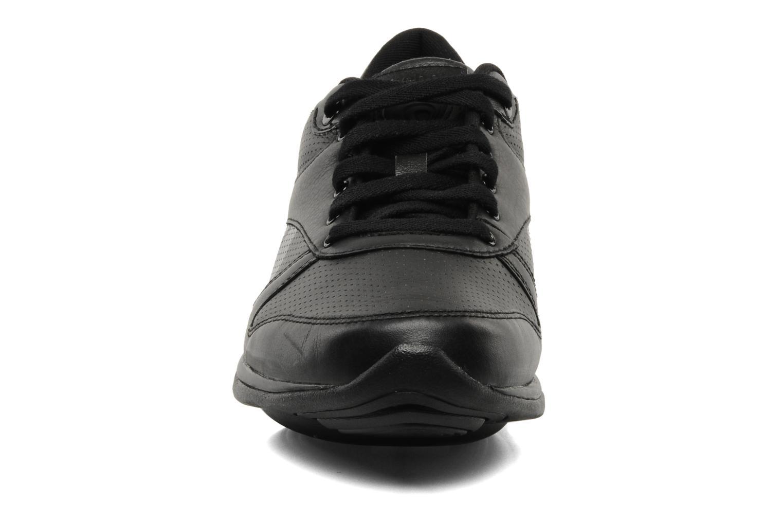 Chaussures de sport Reebok Easytone Reechill 2 Noir vue portées chaussures