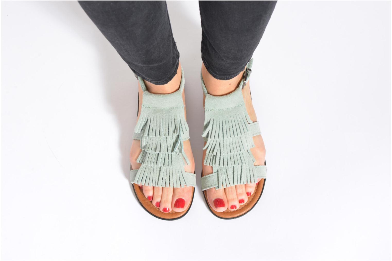 Sandals Minnetonka Maui Beige view from underneath / model view